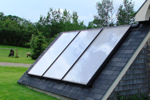 3solarpanels_on_roof